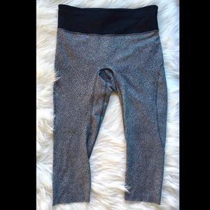 Lululemon Gray and Black Crop Leggings Size 12